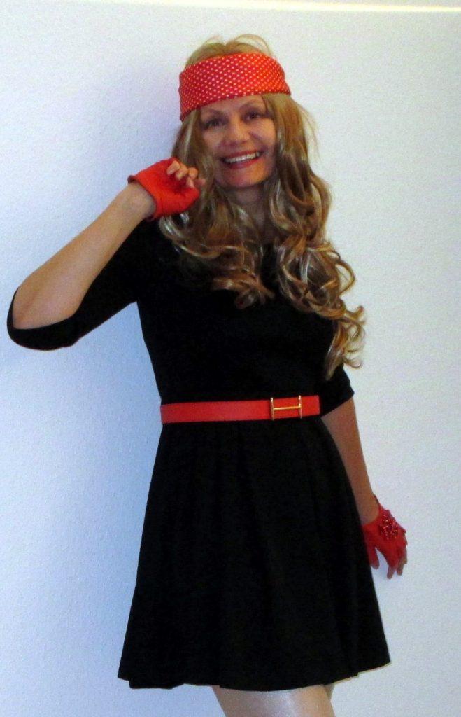 1 Kleid - 5 Outfits: BLOND to go - Ü50-uefuffzich